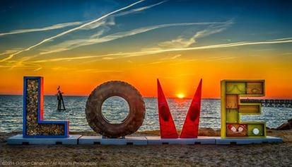 CC Love Sign